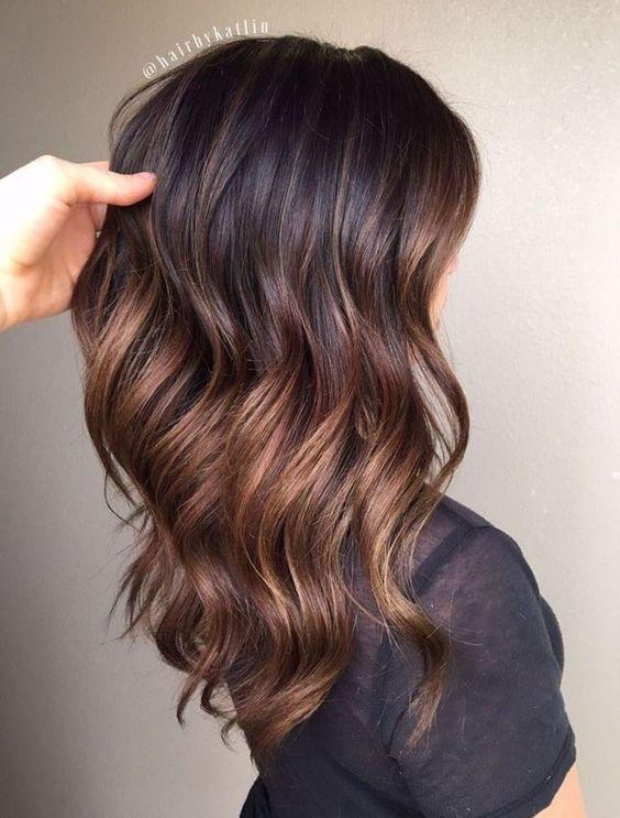Pour Les Brunes Pariez Sur La Couleur Caramel De Vos Cheveux